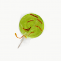 Chupeta de manzana con gusano